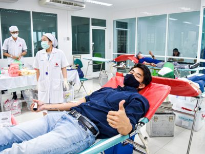 ผู้บริหารบริษัทเอ.เบสท์ได้เข้าร่วมบริจาคเลือดให้แก่สภากาชาดไทย