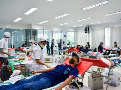 บรรยาการการเจาะเลือดกับสภากาชาดไทยของบริษัทเอ.เบสท์